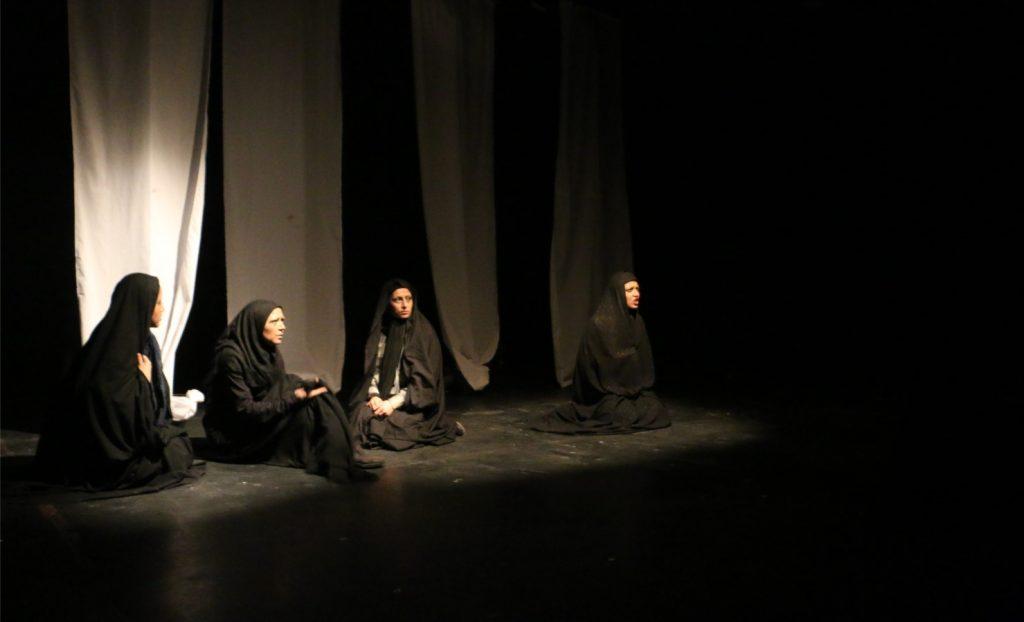نمایش «وقتی از بریدگی های خونبار عصب می گذرد»/ عکس: محمدمهدی اسدزاده